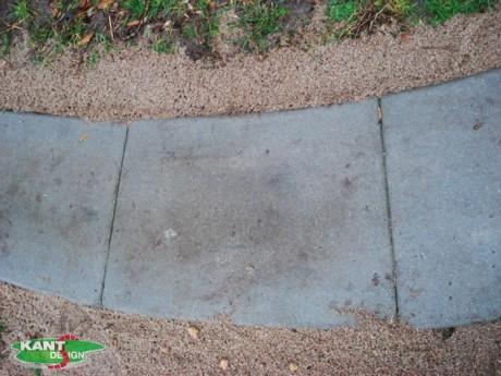 In situ støbt beton, in situ kanter, kantsten, belægninger, landskabsarkitektur, legepladser, park, kantafgrænsninger, betonkant, betonkanter, havekanter, kantlet, kantdesign, aluminiums kanter, Albertslundkantsten, albertslundelement