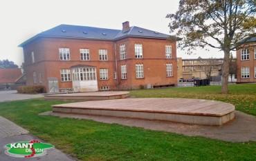 Et andet byrums møbel støbt på Tåstrup Skole i lærketræ
